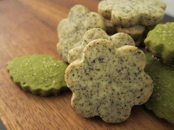 Earl Grey Tea and Matcha Green Tea Shortbread Cookies - 33…