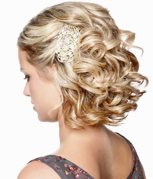 Фото праздничных причёсок на короткие волосы с чёлкой