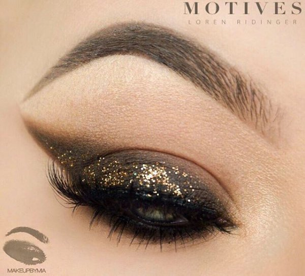 Motives for Lala, eyebrow, brown, eye, eyelash,