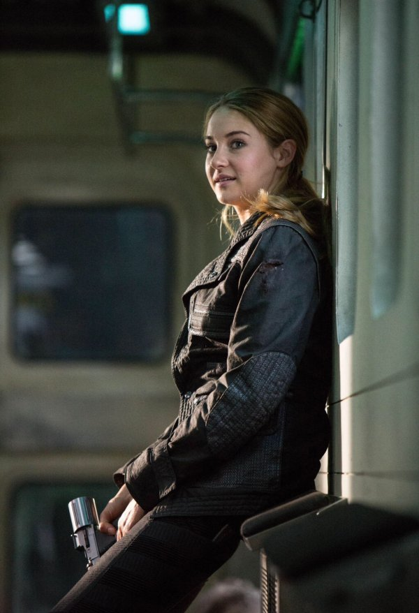 Tris Prior from the Divergent Series