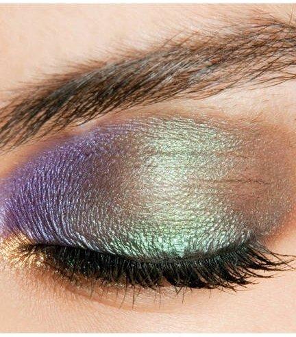 eyebrow,color,hair,face,eye,