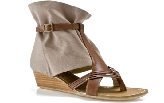 You'll see a lot of neutral color-blocking like these Levity Arrow Sandals