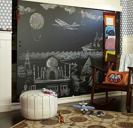 2 chalkboard wall in kids 39 playroom 7 best uses for chalkboard - Funny playroom with colorfull wall paint idea ...