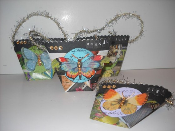 Favor pouches 12 fun crafty projects using newspapers and for Waste material project