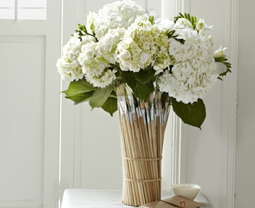 paintbrush vase 10 gorgeous and creative diy flower vases. Black Bedroom Furniture Sets. Home Design Ideas