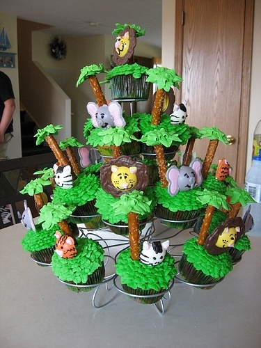 Jungle Party - 15 Fun Theme Party Ideas for Adults That ...