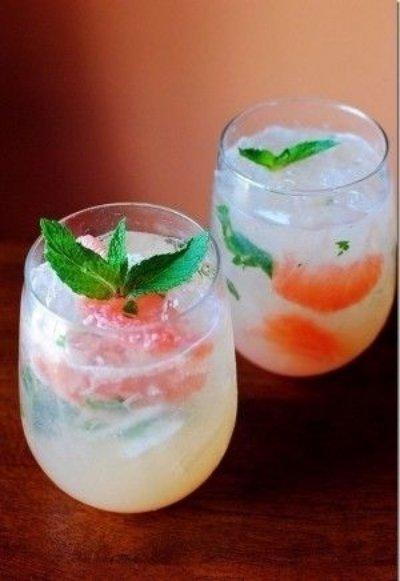 Pink Grapefruit Mojito Mimosa