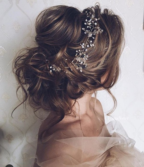 clothing, hair, hairstyle, fashion accessory, black hair,