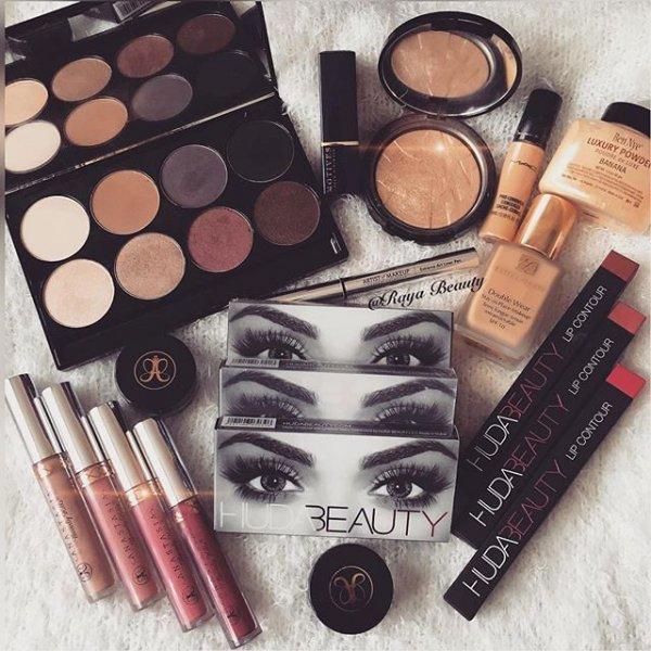 eyebrow, brown, lip, cosmetics, eye,