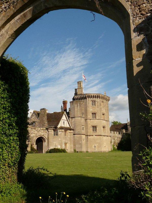 Thornbury Castle, castle, structure, fortification, arch,