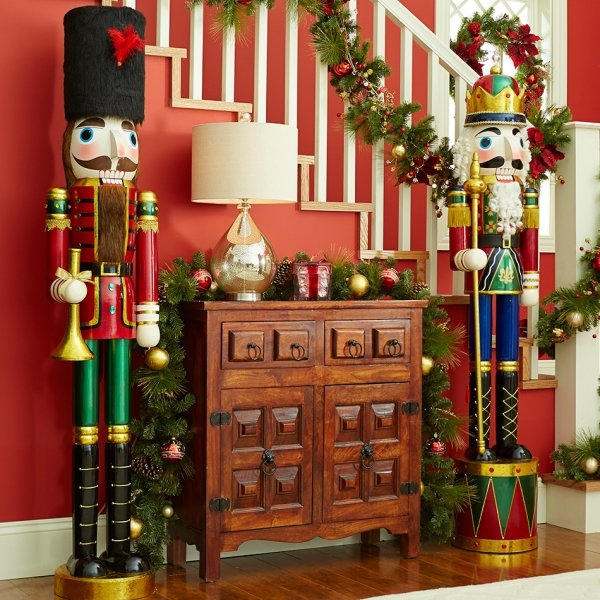 Life size nutcrackers 25 festive nutcrackers to enjoy this for 4 foot nutcracker decoration