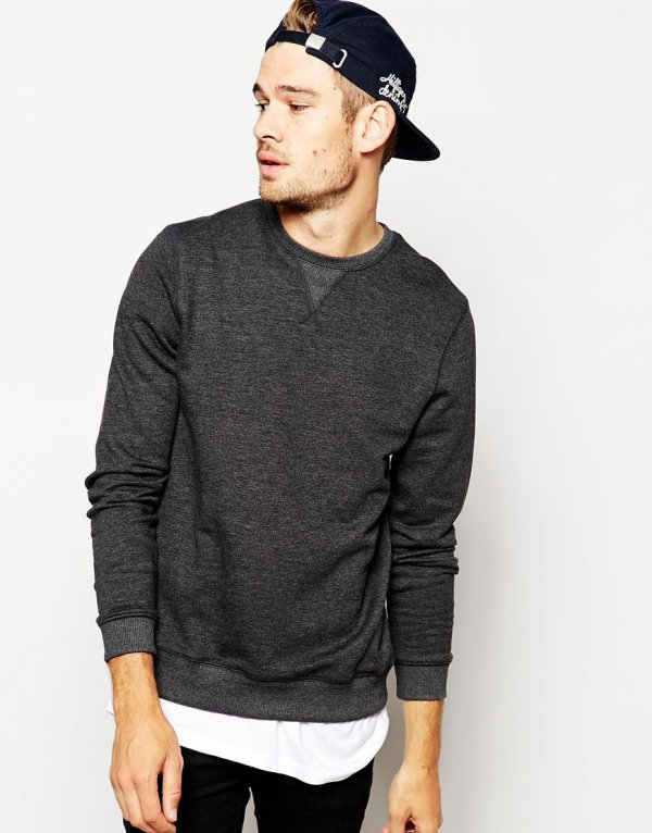 clothing,long sleeved t shirt,sleeve,t shirt,outerwear,