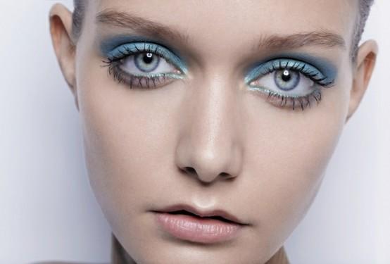 Robinu0026#39;s Egg Blue Sheer Eyeshadow - 8 Gorgeous Ways To Wear Pastelu2026