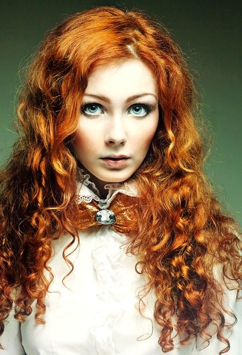 coral colors top 14 makeup tips for redheads makeup. Black Bedroom Furniture Sets. Home Design Ideas