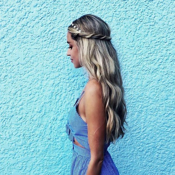 clothing, hair, vacation, hairstyle, turquoise,