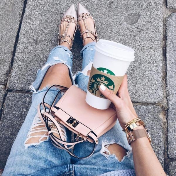 Starbucks, leg, sitting, footwear, human positions,