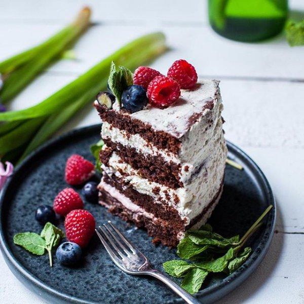 food, chocolate cake, dessert, dish, frutti di bosco,