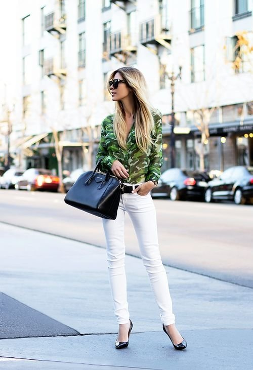 7 Street Style Ways to Rock White Pants This Spring ... → 🎒…