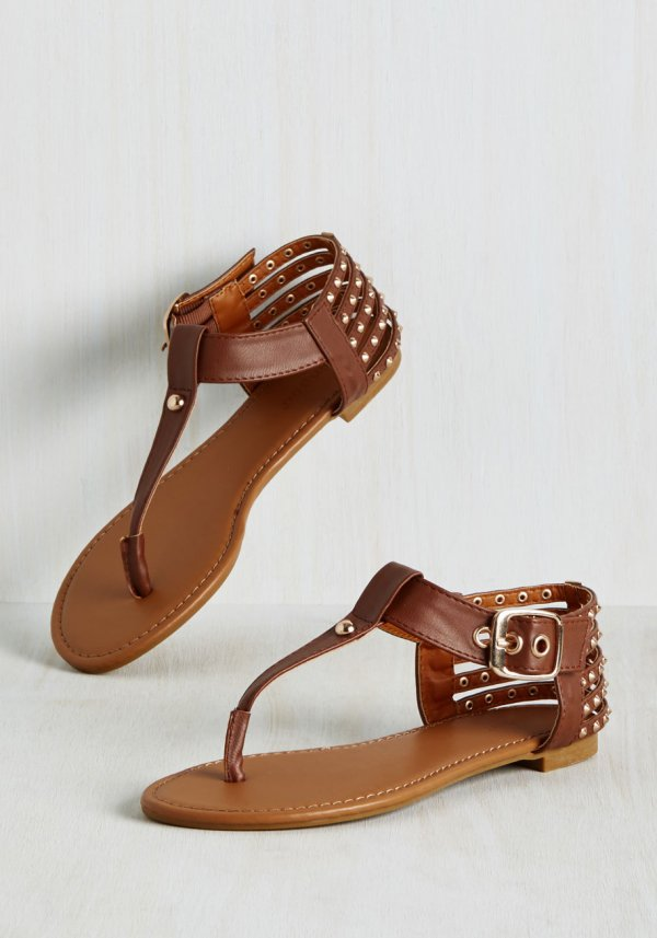 Tell Me about It, Studs Sandal