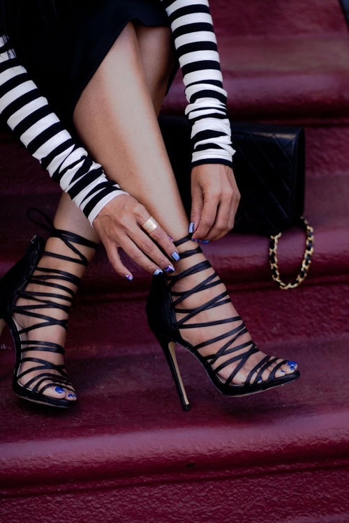 16. CLASSIC BLACK STRAPPY HEELS