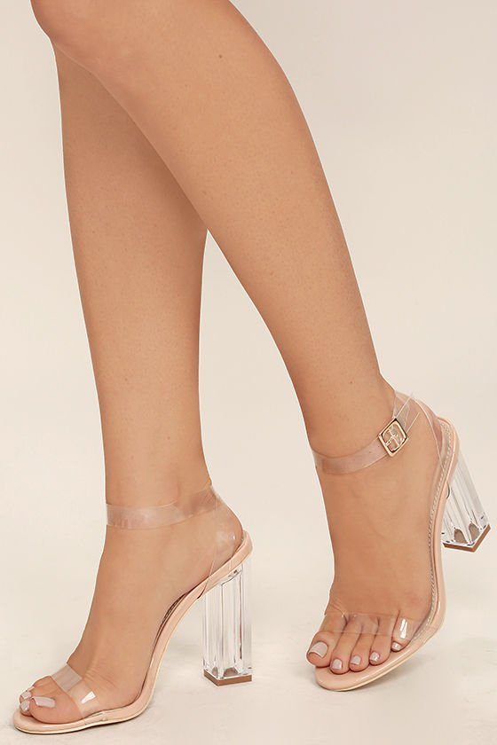 footwear, high heeled footwear, leg, shoe, thigh,