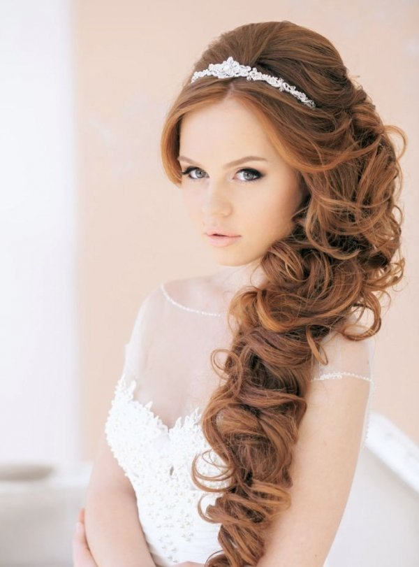 hair,clothing,bridal accessory,bridal veil,hairstyle,