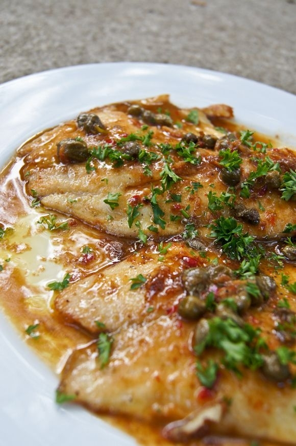 Fish in white wine and lemon sauce 26 tasty and healthy for Lemon butter caper sauce for fish