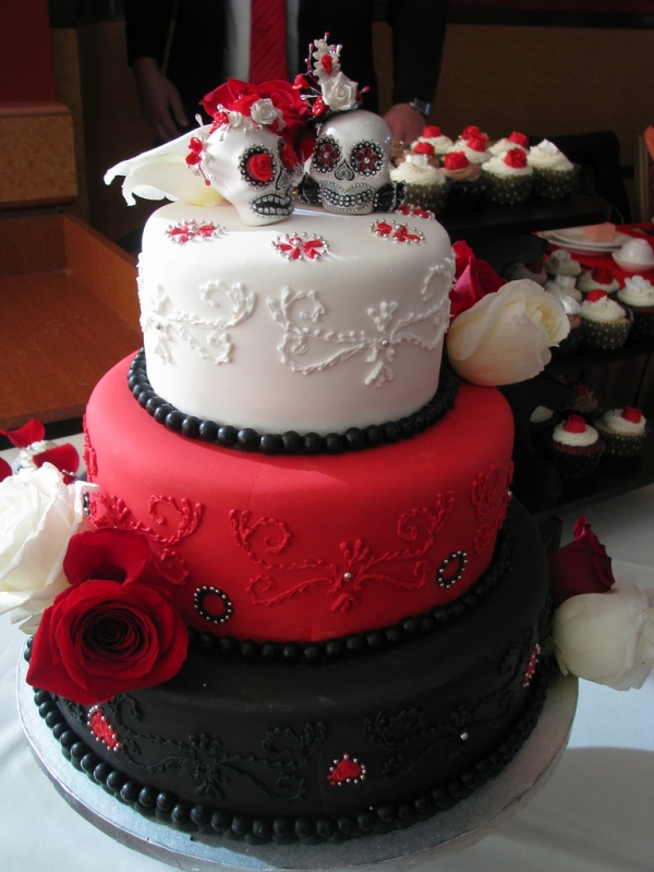 This Goth Wedding Cake is Really Cool