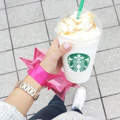 Starbucks,dessert,food,ice cream,hand,