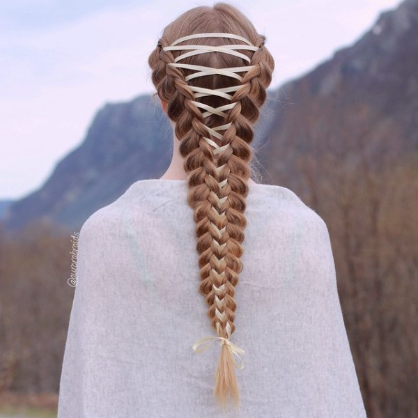 hair, hairstyle, sculpture, natural material,