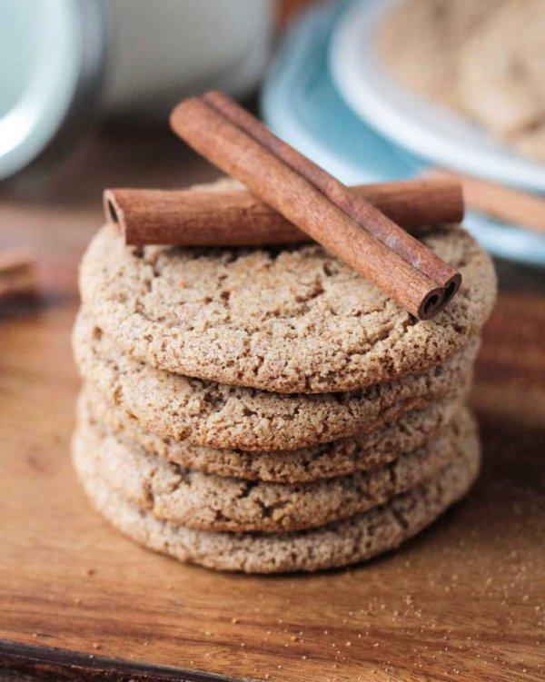 cookies and crackers, cookie, biscuit, snack, graham cracker,