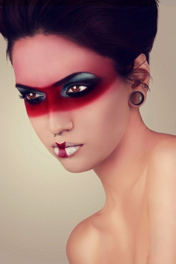 25. Superhero Mask - Beauty or Art? Stunning Avant Garde ...
