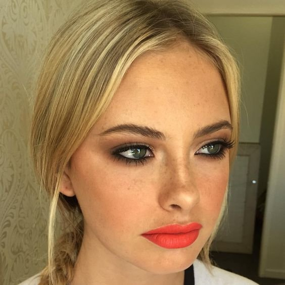 Swipe on a Coral Lippie