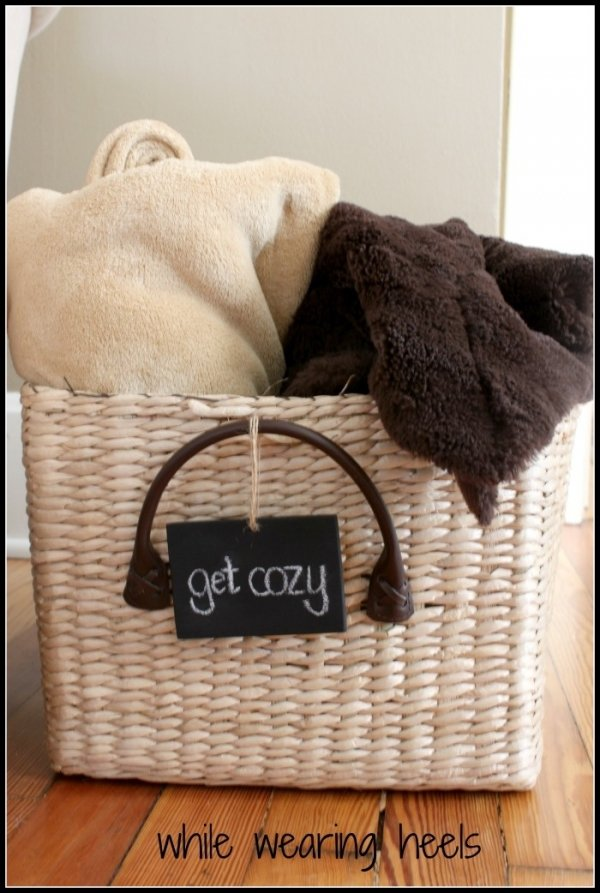 Cute basket 20 cozy throw blankets for any spot in your - Living room throw blankets ...