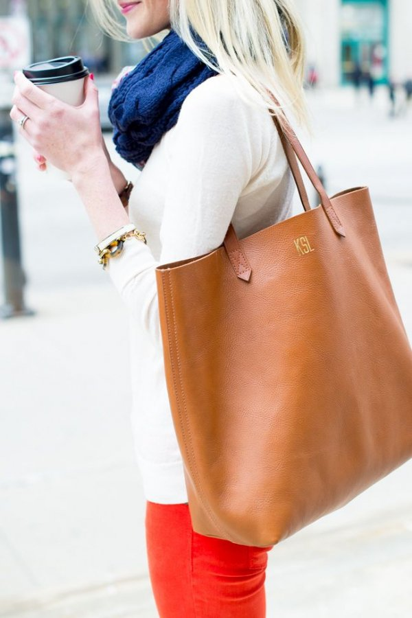 handbag,clothing,red,footwear,fashion,