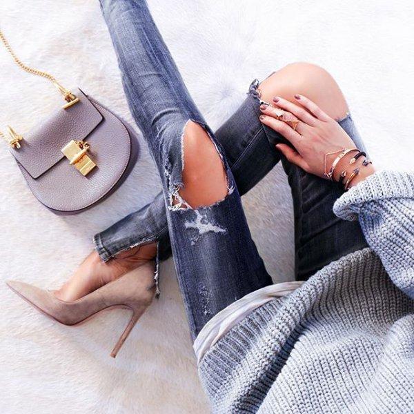 footwear, leg, shoe, handbag, finger,