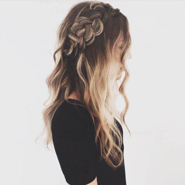 hair,face,hairstyle,long hair,head,