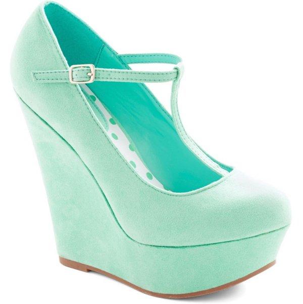 footwear,turquoise,electric blue,green,shoe,