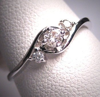 jewellery,ring,platinum,fashion accessory,silver,