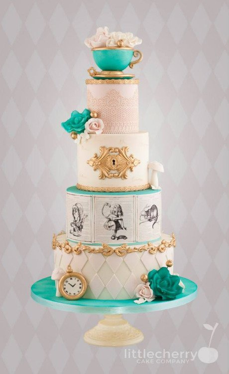 wedding cake,cake decorating,buttercream,sugar paste,food,