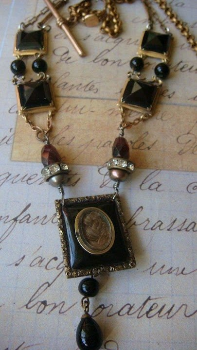 Mourning Necklaces