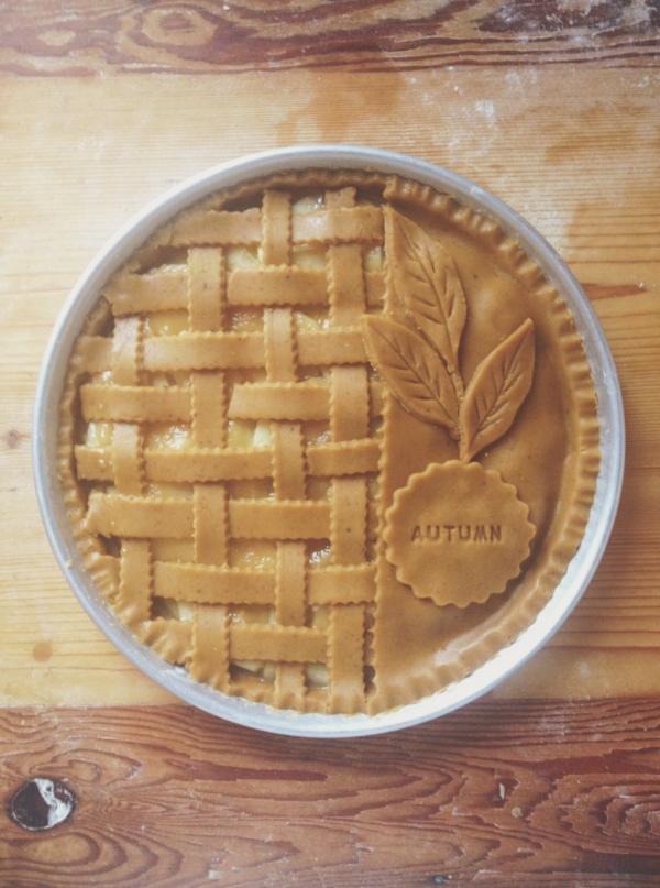 15 message imprint pie crust 24 fabulous pies for girls for Apple pie decoration