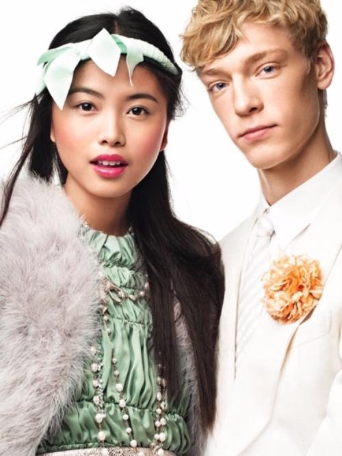 clothing,head,hairstyle,fashion,fur,