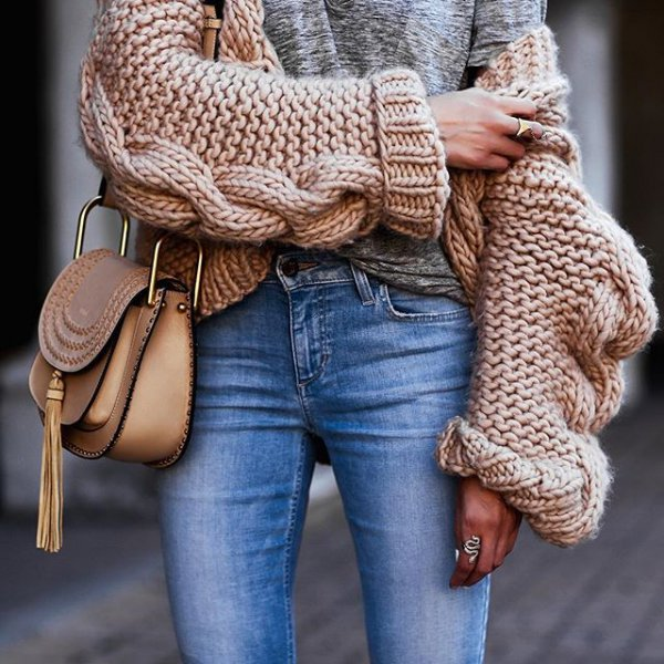 clothing, fashion accessory, pattern, outerwear, fur,