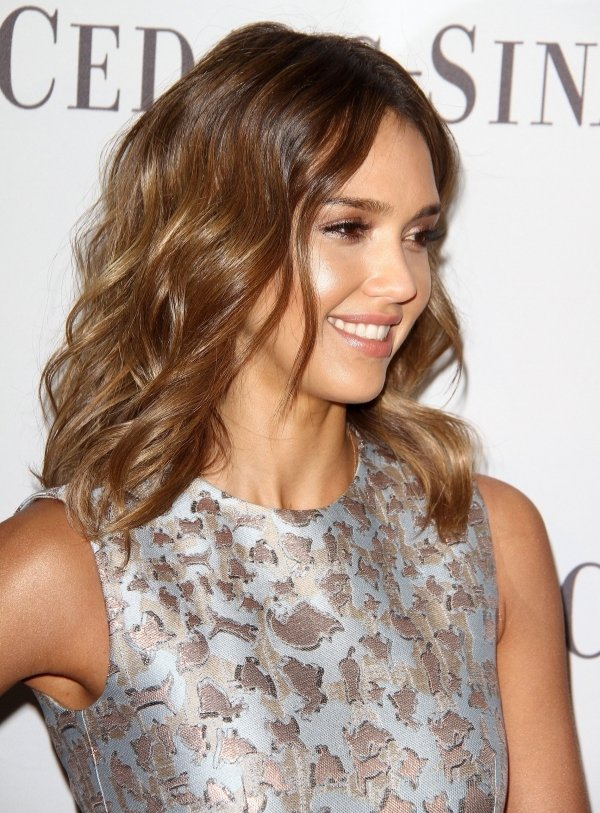 Jessica Alba 9 Celebrity Haircuts For Summer Hair
