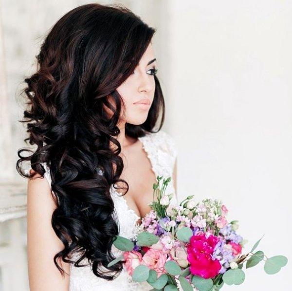 hair,clothing,hairstyle,black hair,long hair,