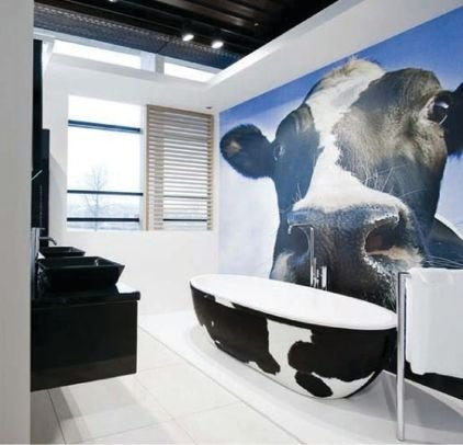 Cow tub 30 incredible bath tubs you need to see to for Bathroom seen photos
