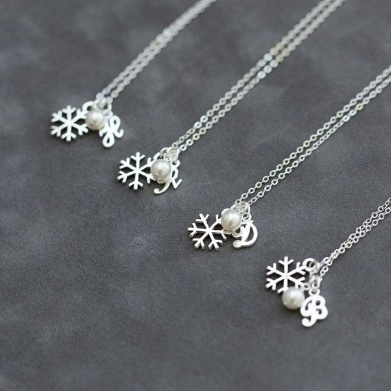 jewellery,necklace,fashion accessory,chain,silver,