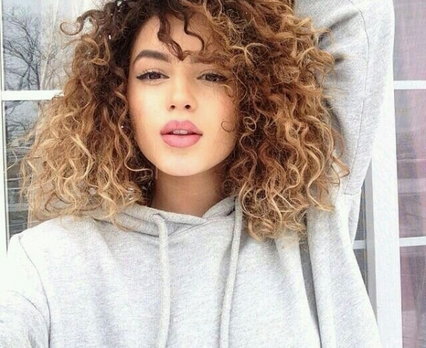 20. Curly Ombre - 40 Curly Hair Inspos That Every Curly Girl Will…