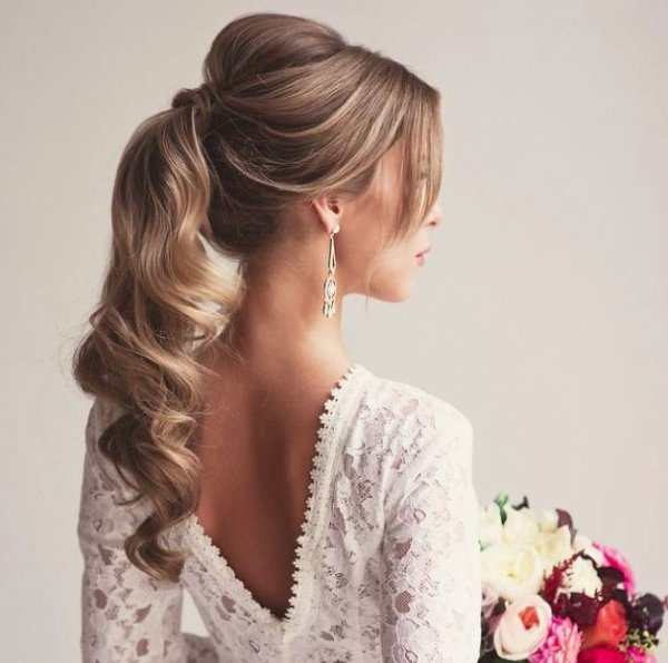 hair,clothing,hairstyle,long hair,wedding dress,